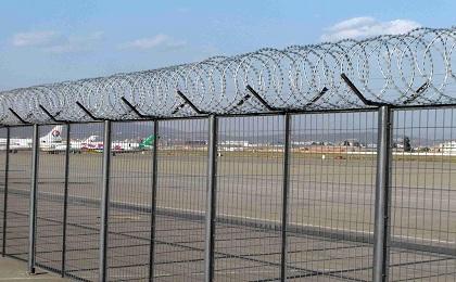 飞机场围界